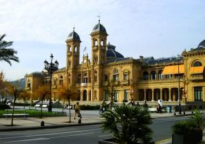 San_Sebastian_Ayuntamiento-300x210